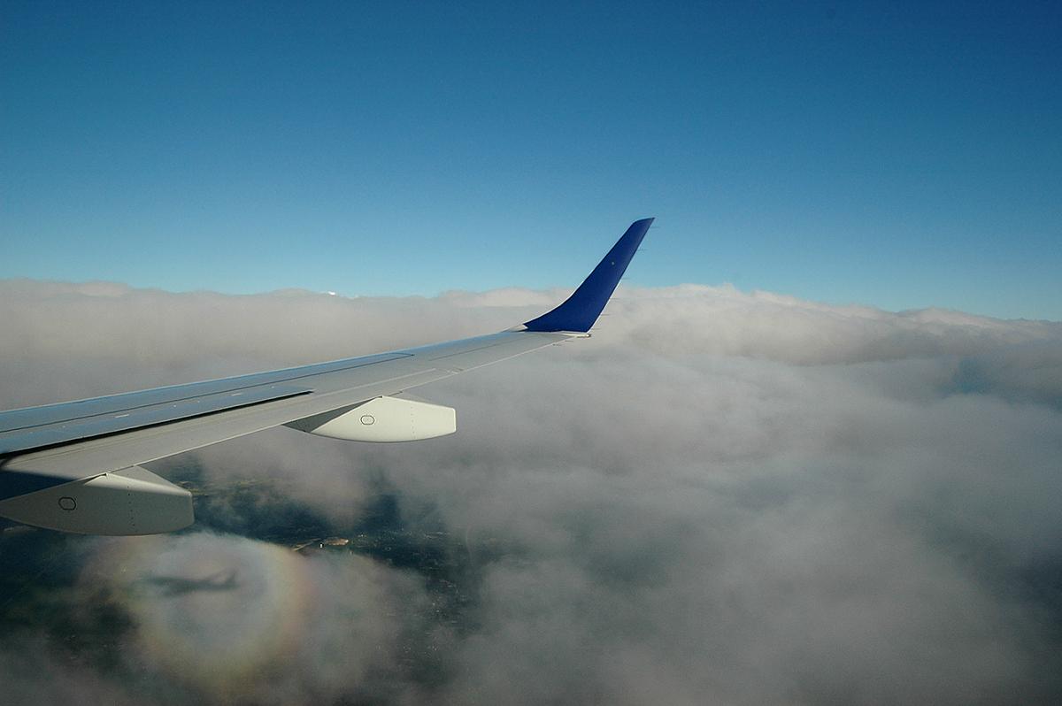 http://jkwd.com/airliners/20070701-kjfk-kbos-n267jb/n267jb-shadow.jpg