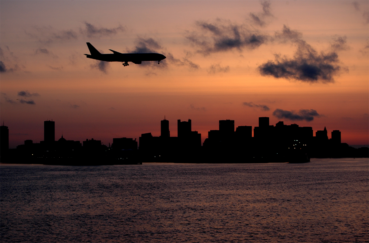 http://jkwd.com/airliners/prescreen/AAL772-sunset%20on%20skyline-sm.jpg